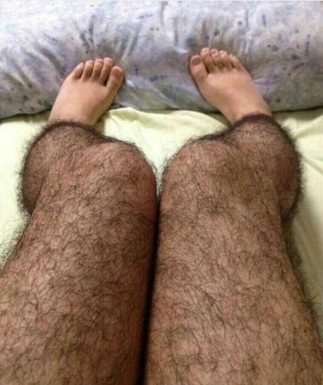 There are so many more benefits to hairy leggings than meets the eye (Picture: Sina Weibo / @Happy张江)