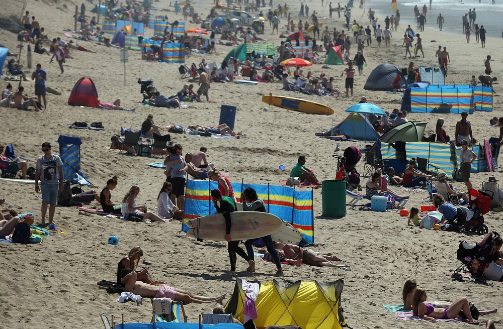 Heatwave warning extended across England as up to 760 deaths linked to high temperatures