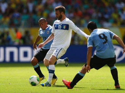 Roma boss desperate to keep Daniele De Rossi from Chelsea's clutches