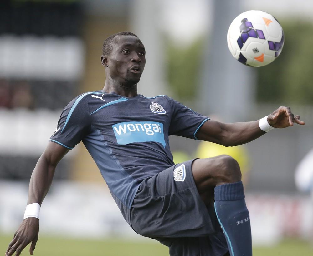 Papiss Cisse nets first goal in Newcastle's Wonga shirt
