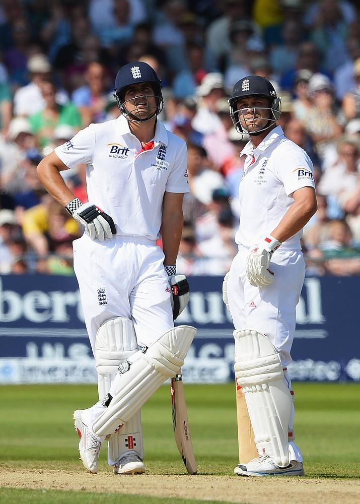 The Ashes 2013: Marais Erasmus overshadows captivating day of Test cricket
