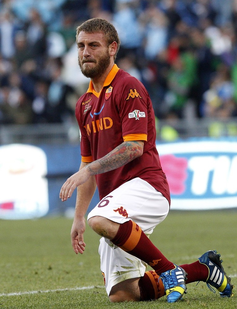 Chelsea transfer news: Blues close in on deal for Italy star Daniele de Rossi after Roma sign his replacement