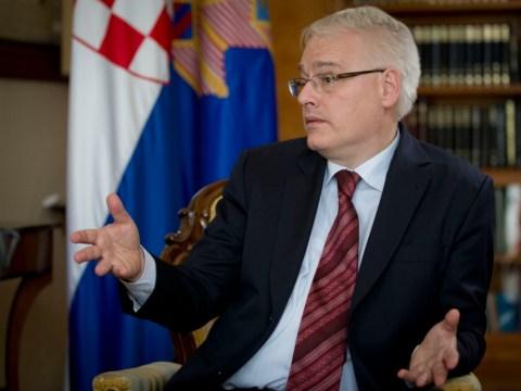 Croatia celebrates EU entry with awkward piano recital from president