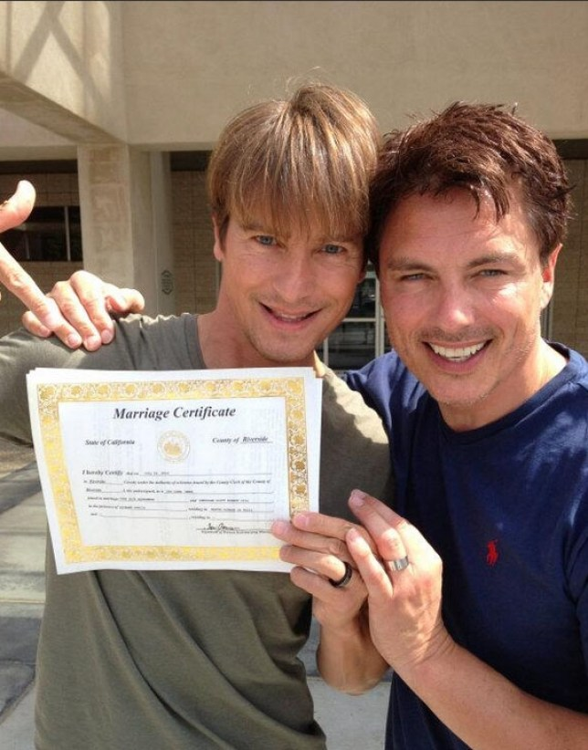 John Barrowman has married his long term partner Sheridan Scott Robert Gill in California. The happy couple tied the knot in front of a County Clerk in Riverside, Ca on Tuesday 2nd July.