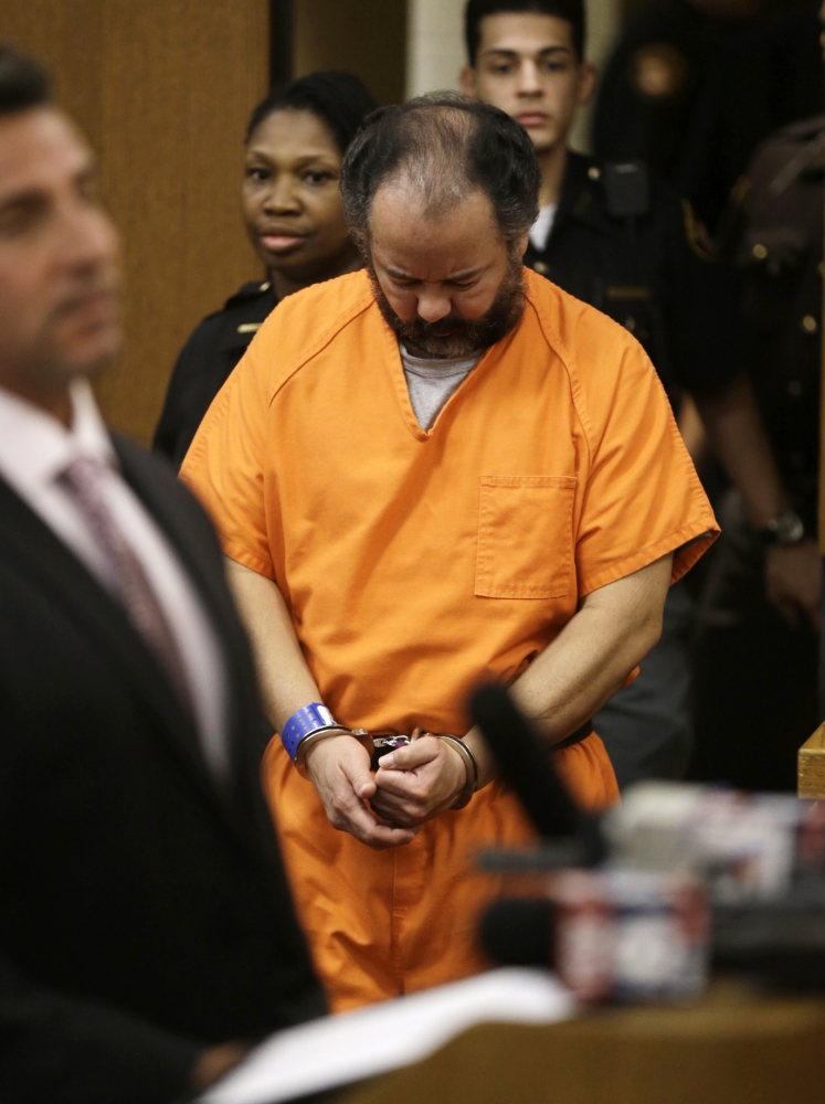 Ariel Castro: Cleveland kidnapper to serve life in prison after guilty plea