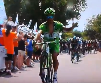 Tour de France 2013: Peter Sagan pulls a wheelie at foot of Mont Ventoux – video
