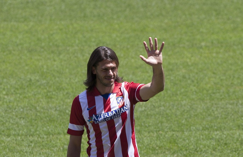 Manchester City may snub Pepe and look at Atletico Madrid's Martin Demichelis for defensive assistance
