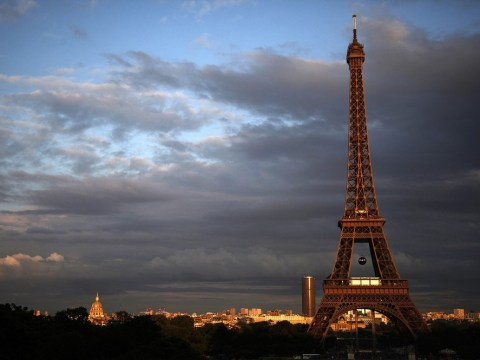 Eiffel Tower re-opens after terror alert evacuation