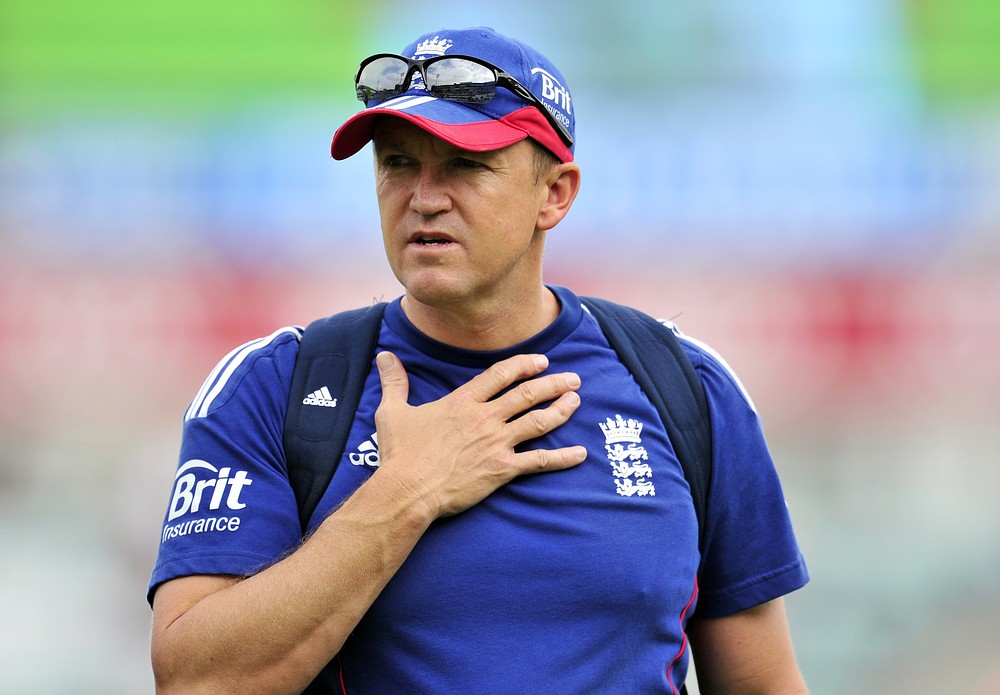 Andy Flower refuses to rule out quitting England after winter Ashes