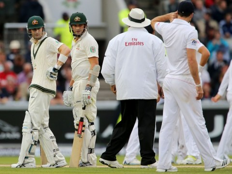 The Ashes 2013: England edge closer to regaining the urn as weather moves in at Old Trafford