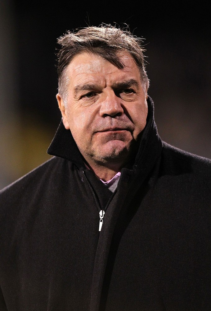 West Ham can expect no neighbourly favours from trip to Tottenham
