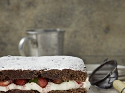 How to cook James Tanner's ginger cake with rosé wine strawberries