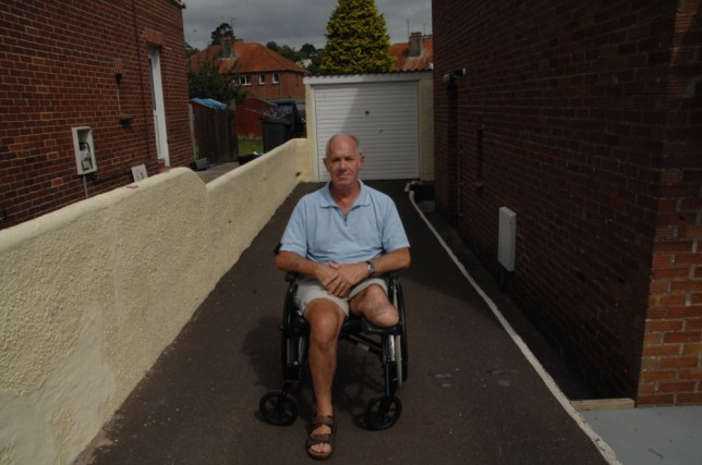 One-legged man accused of benefit fraud - because officials read report on his healthy limb