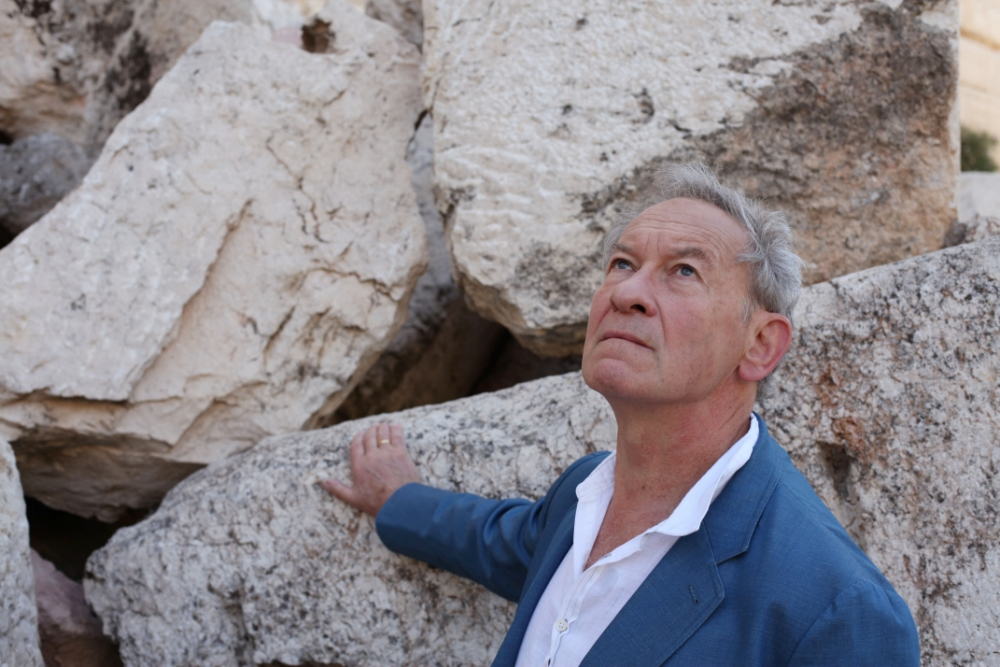 Simon Schama in Story Of The Jews (Picture: Oxford Film and Television)