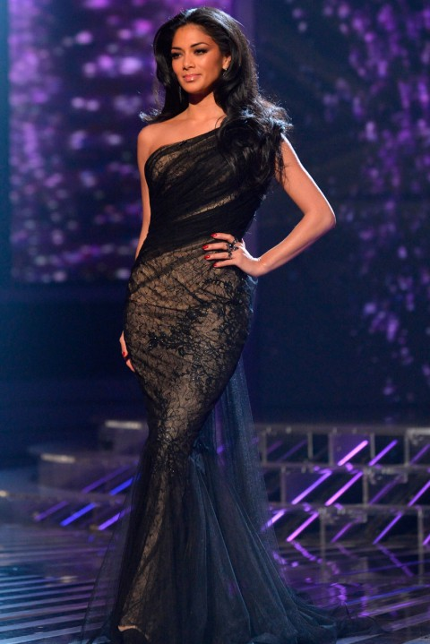 Nicole Scherzinger looks glamorous in Abed Mahfouz gown (Picture: Rex Features)