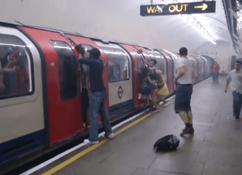 Video: Tube passengers escaping a train filling with smoke – Should we be filming or helping?