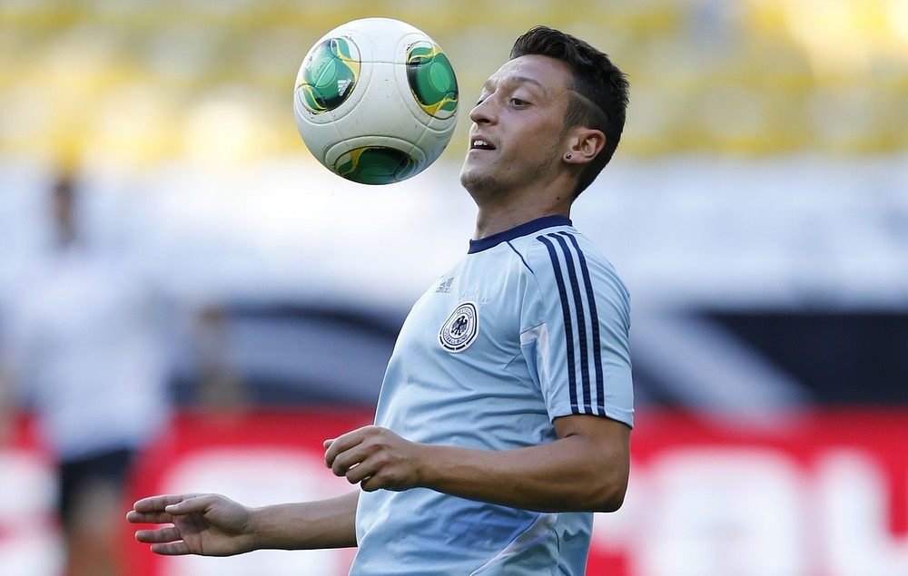 The Tipster: Mesut Ozil can lead Arsenal to victory on his debut