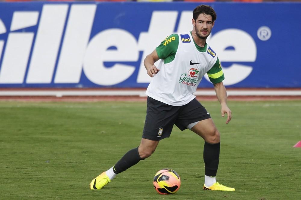 Felipe helps fans quack the code to Brazilian star Alexandre Pato's bizarre goal celebration: Video