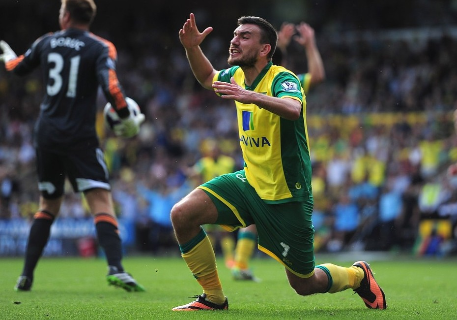 Norwich midfielder Robert Snodgrass hits back at fans questioning players' desire