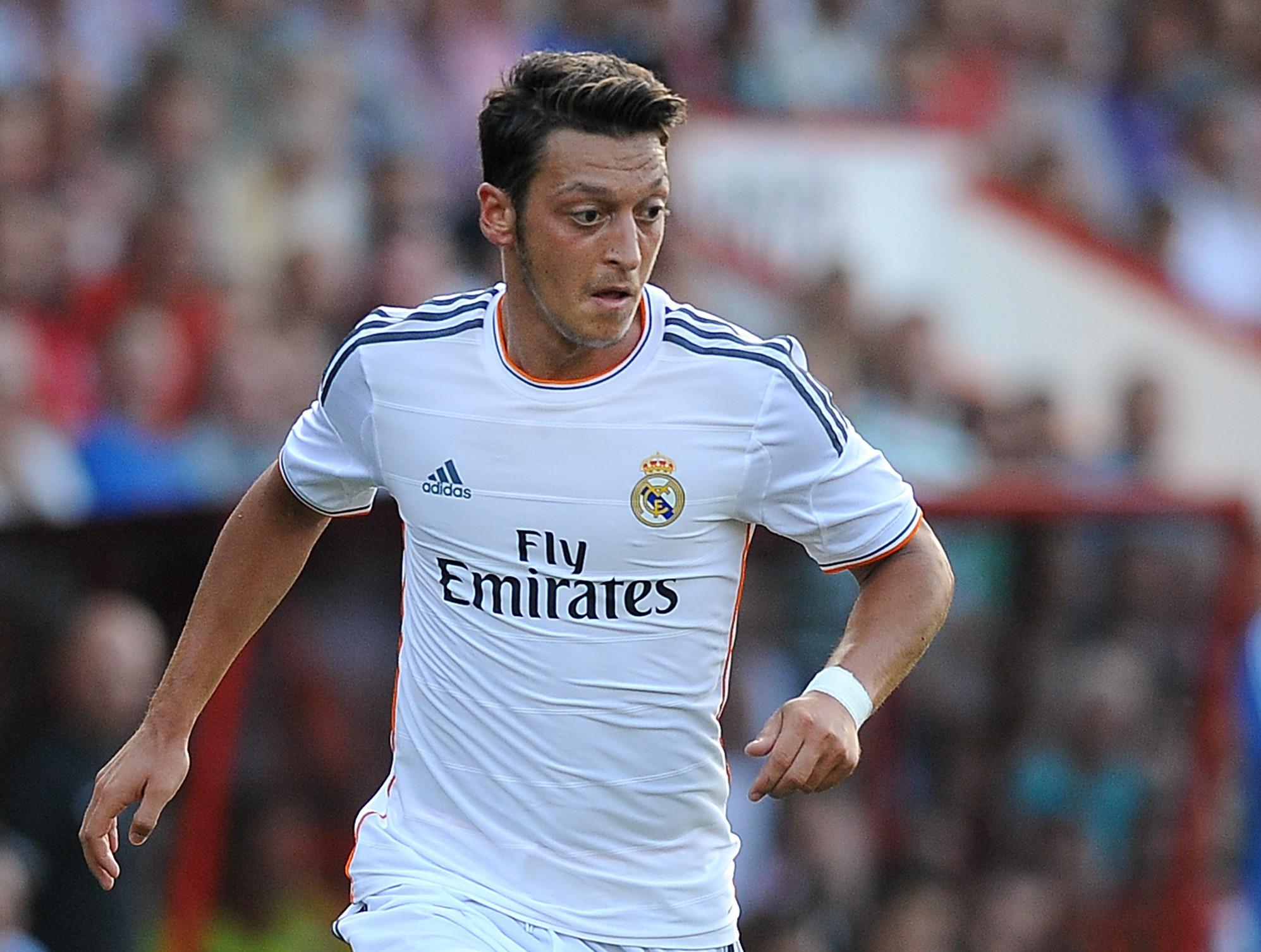 Mesut Ozil set to sue Real Madrid president Florentino Perez over 'unprofessional' jibe
