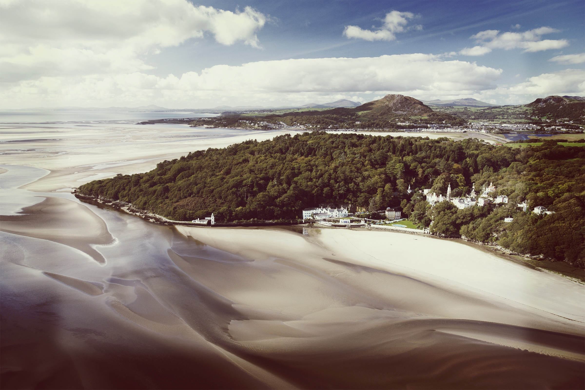 The sweeping coastline in Portmeirion (Picture: Festival No. 6)