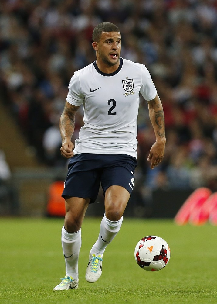 Kyle Walker sorry over 'laughing gas' photo in Sheffield nightclub