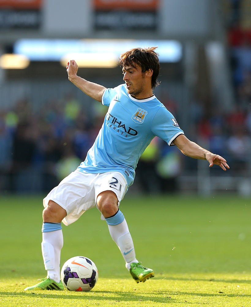 David Silva thigh problem adds to Manchester City's growing injury concerns