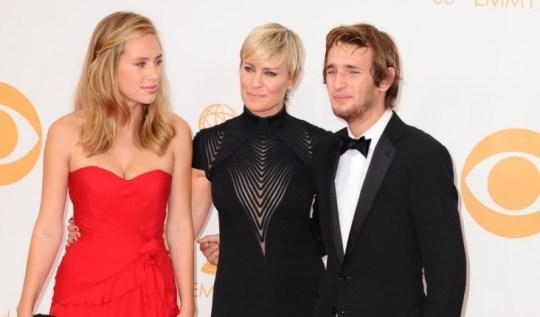Robert Pattinson Dating Sean Penn fille Dylan