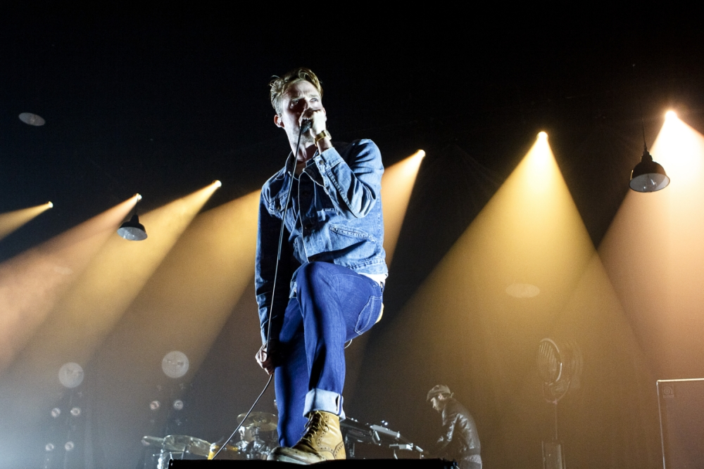 LEEDS, UNITED KINGDOM - SEPTEMBER 13: Ricky Wilson of the Kaiser Chiefs performs at First Direct Arena on September 13, 2013 in Leeds, England. (Photo by Andrew Benge/WireImage)