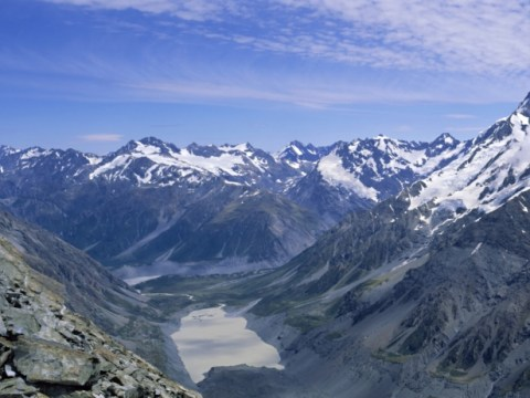 British climber dies after falling 2,000 feet off New Zealand mountain
