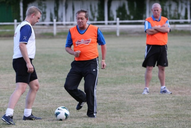 Former Charlton manager, Alan Curbishley, has been coaching Dorking FC boss Glynn Stephens, as part of the Budweiser Coach the Coaches initiative.  The new programme will help non-league coaches improve their skills by learning from some of the biggest names in English footballnMandatory Credit: Action Images / Budweisern