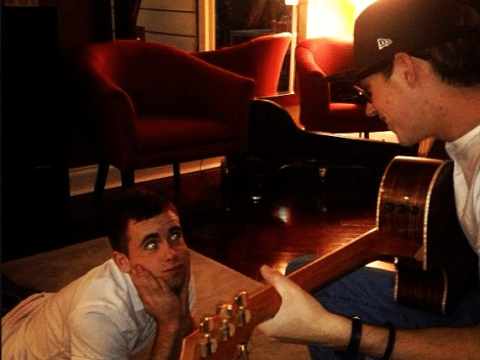 One Direction's Niall Horan wins affections of friend after playing guitar to him