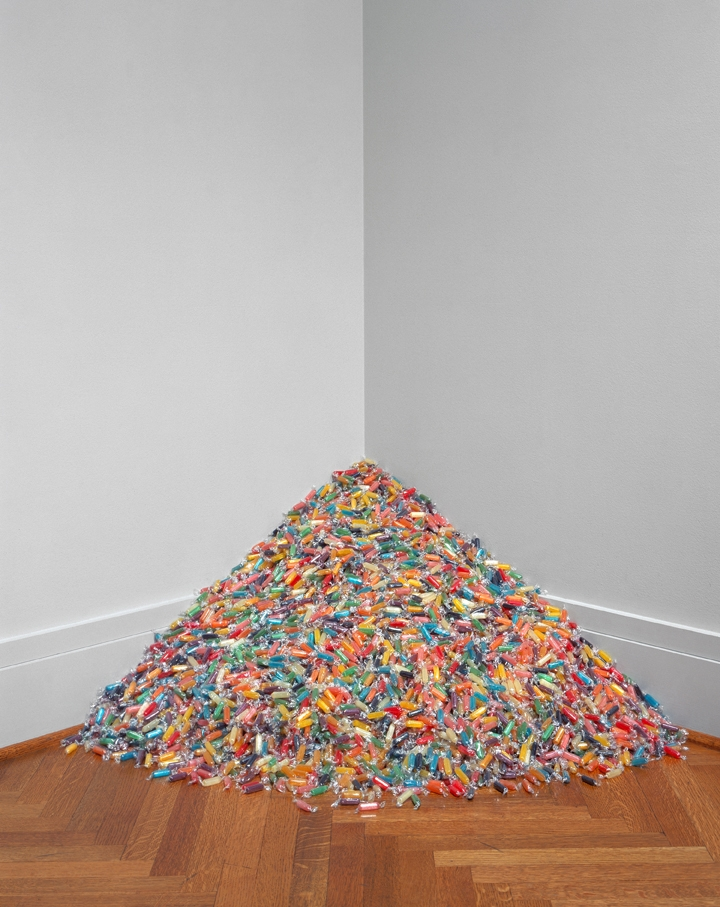 Damien Hirst and Felix Gonzalez-Torres in playful mood at Candy,  BlainSouthern