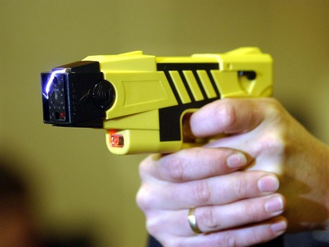 Man ignores girlfriend's calls, gets zapped with stun gun as punishment