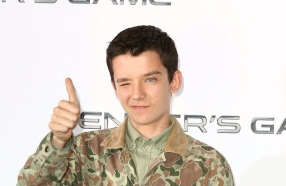 Asa Butterfield trying to trick Harrison Ford into giving him Star Wars Episode 7 role