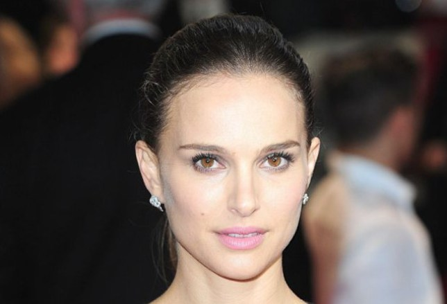Natalie Portman arriving for the World Premiere of Thor : Dark World, at the Odeon Leicester Square, London. PRESS ASSOCIATION Photo. Picture date: Tuesday October 22, 2013. Photo credit should read: Ian West/PA Wire