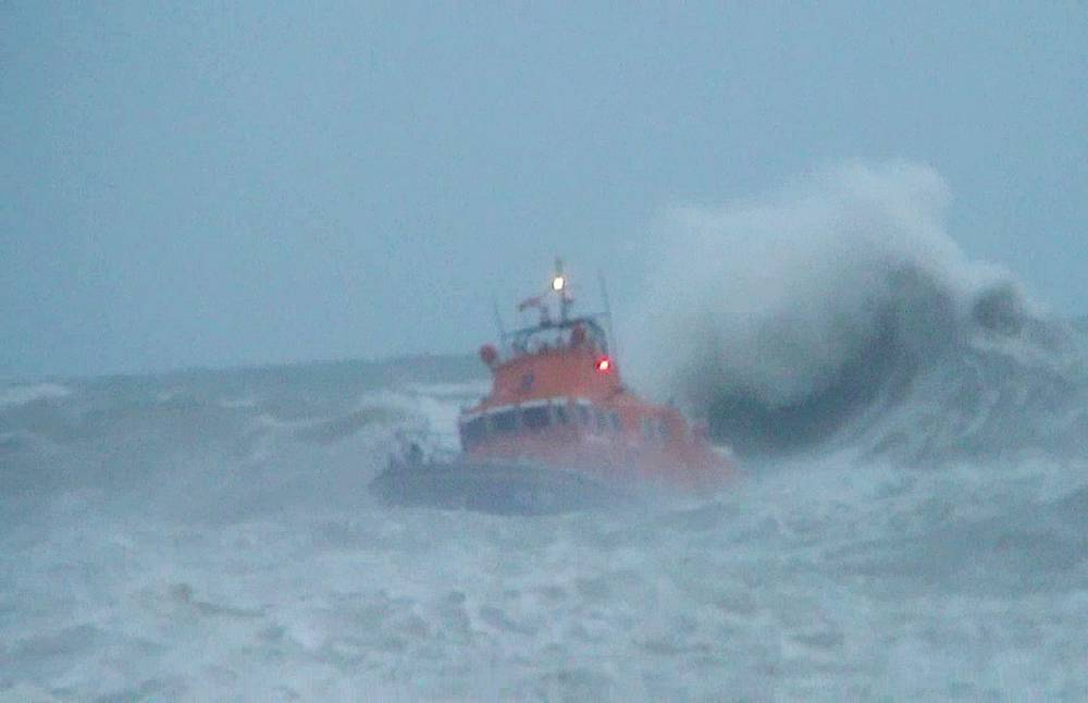 UK storm: Search for missing boy, 14, swept out to sea in Newhaven called off