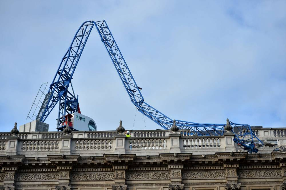 UK storm: Nick Clegg cancels press conference after crane collapses on Cabinet Office roof
