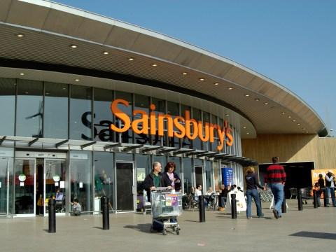 Sainbury's steps up the fight against Tesco's price pledge