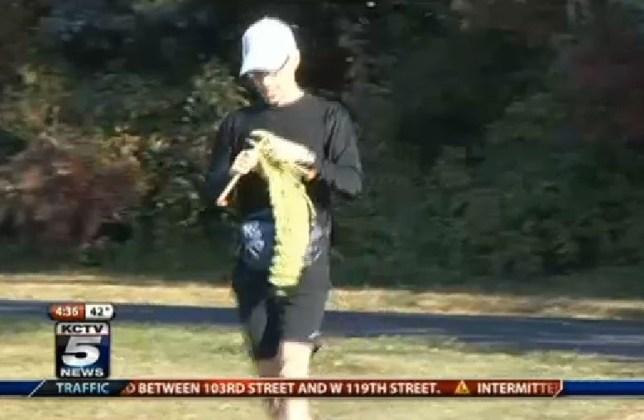 Man runs marathon, knits scarf and breaks world record at same time
