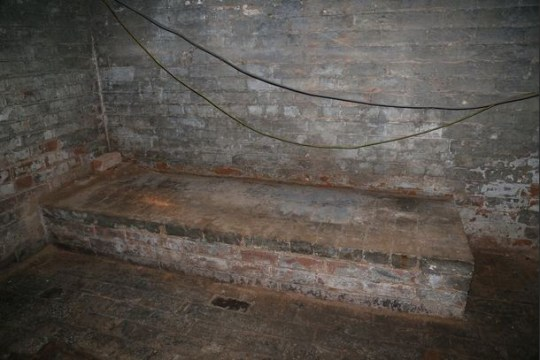 Reddit user discovers secret dungeon underneath new apartment