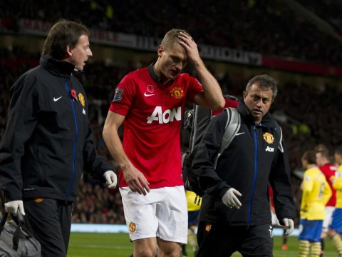 Manchester United's Nemanja Vidic released from hospital after suffering concussion against Arsenal