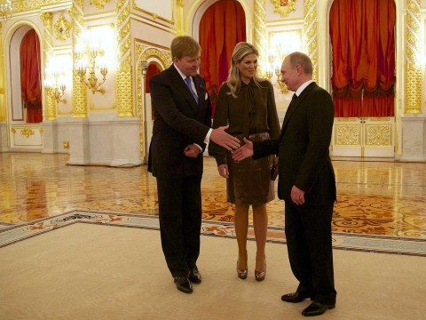 Dutch king and queen 'pelted with tomatoes' in Russia amid increased tensions