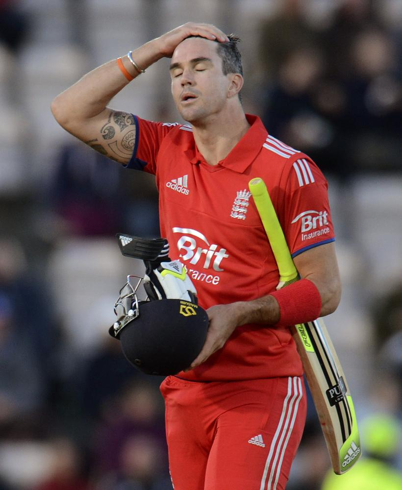 The Ashes 2013-14: England rocked as Kevin Pietersen forced to have pain-killing jab to get through series