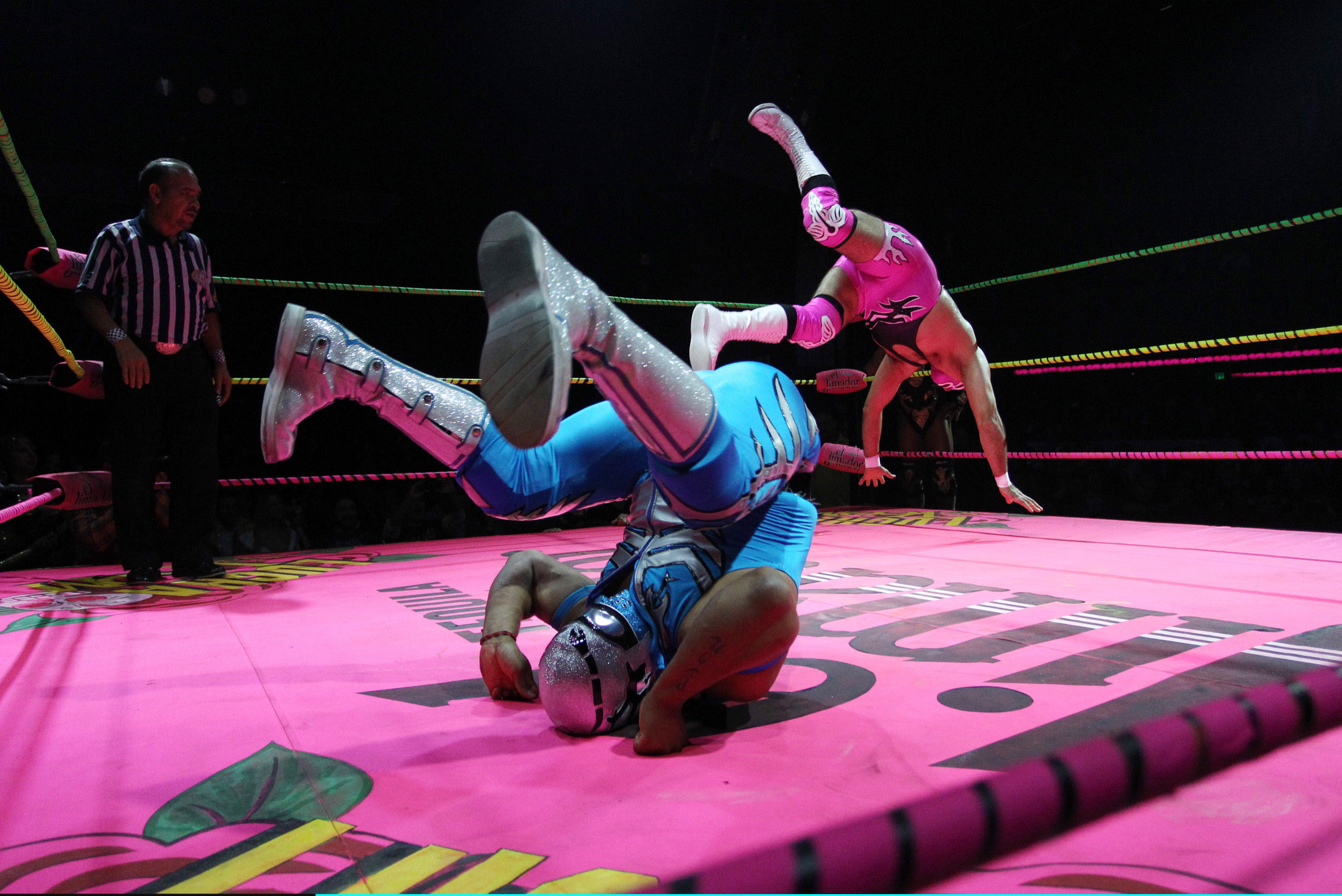 Gallery: Mexican Masked Wrestling Event Takes On Halloween Theme