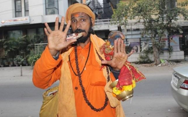 Vijay Singh, 12 fingers