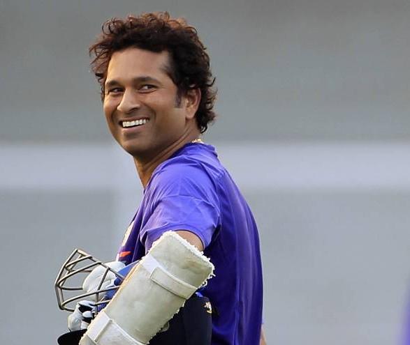 Sachin Tendulkar's mother Rajni watches batsman live for first time