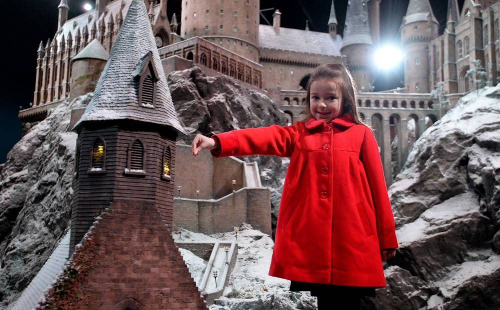 Gallery: Hogwarts covered in snow