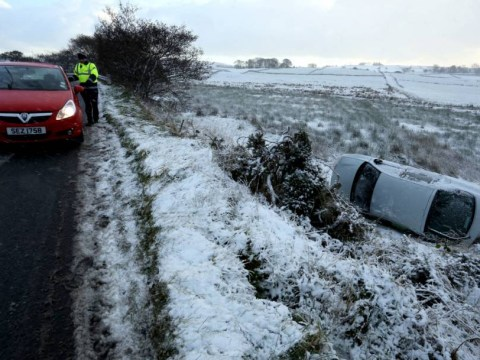 UK weather: Britain set for two-week cold snap as snow falls in the north