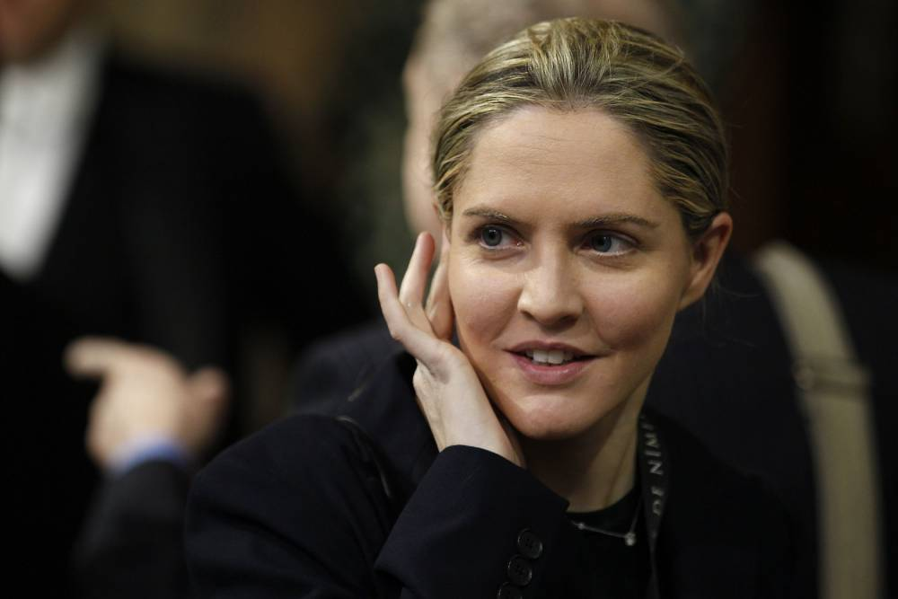 Alastair Campbell apologises 'for calling on Louise Mensch to pose topless for Page 3'